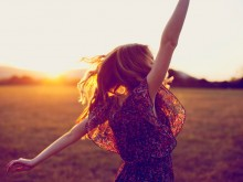 dancing-woman-sunshine